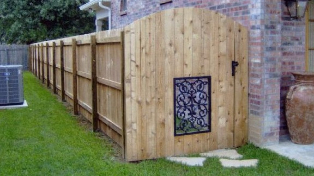 Find a Residential Fence Repair Company Near You